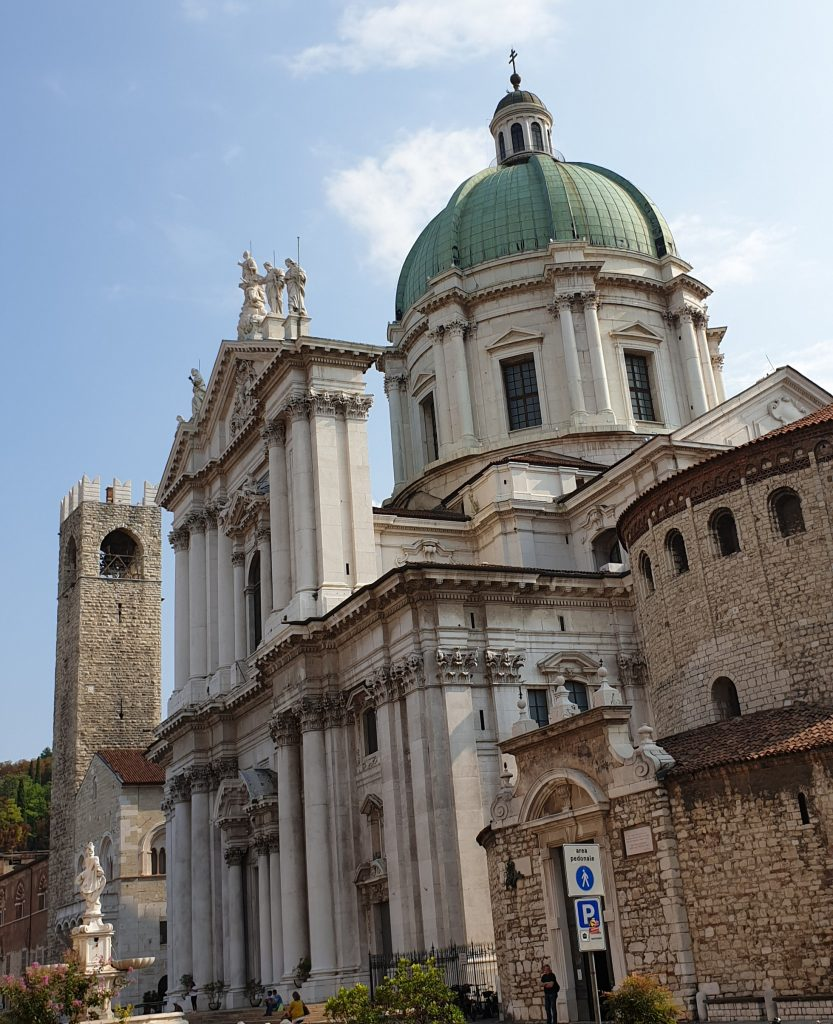 piazza-paolo-VI-brescia