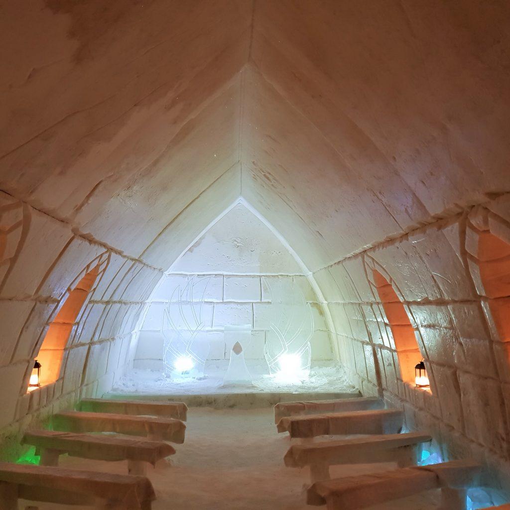 cappella-di-ghiaccio-lapponia